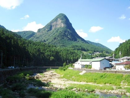 曽爾村の鎧岳