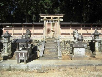 大神神社末社の八阪神社