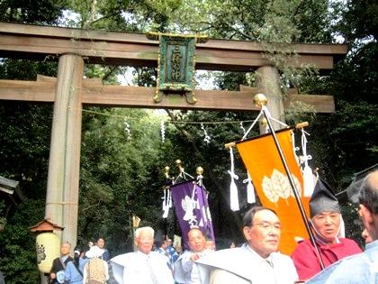 大神神社の三本杉