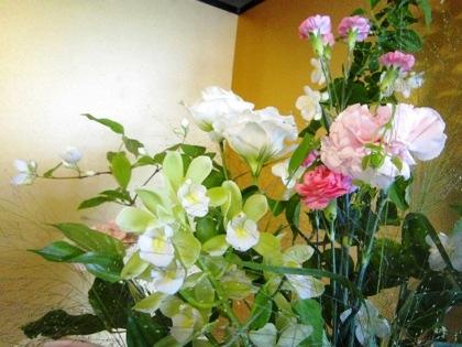 会場装花と金屏風