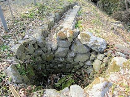 鎌足産湯の井戸
