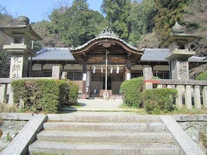 穴師坐兵主神社の拝殿