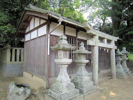 畝尾坐健土安神社