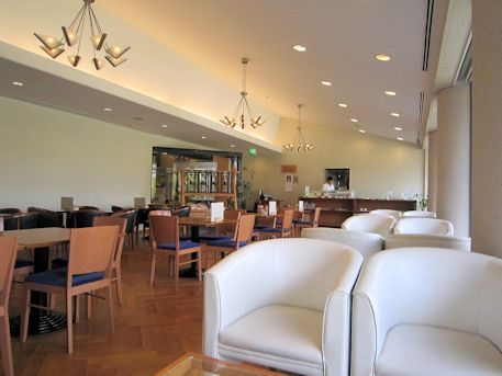万葉文化館のカフェレストラン