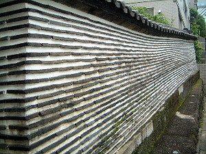 報土寺の築地塀