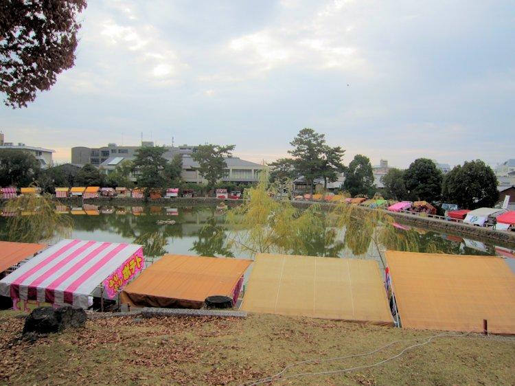 猿沢池周辺の露店