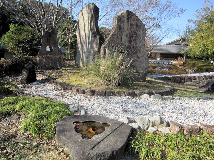 国営飛鳥歴史公園高松塚古墳のモニュメント