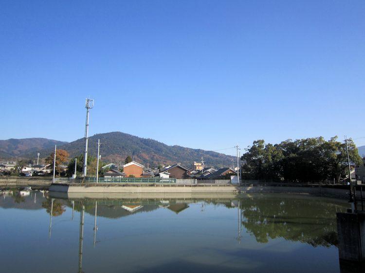 三輪山と九日社社叢