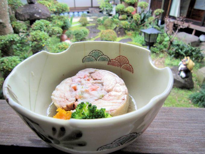 大和肉鶏の海老芋包み蒸し