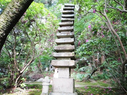 長岳寺十三重石塔