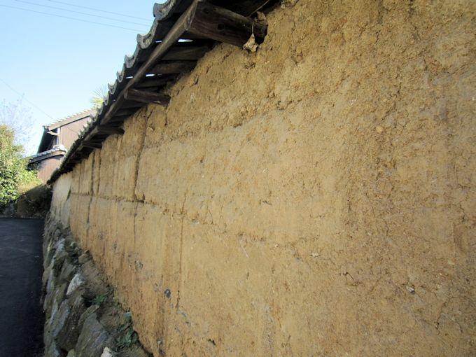 日向寺の土塀