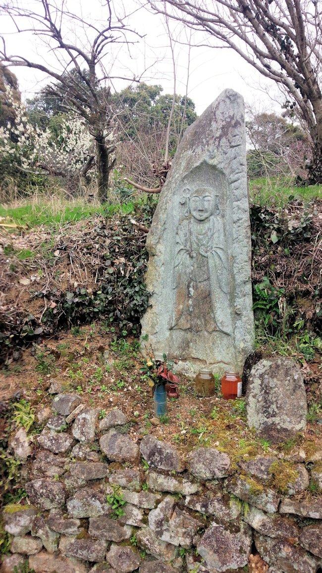山の辺の道の地蔵石仏