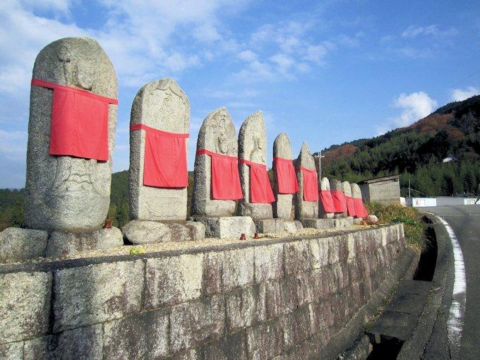 高家の地蔵石仏