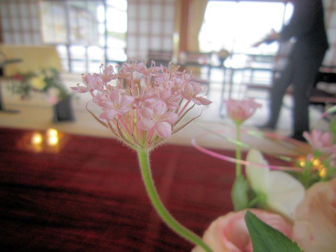 会場装花レースフラワー