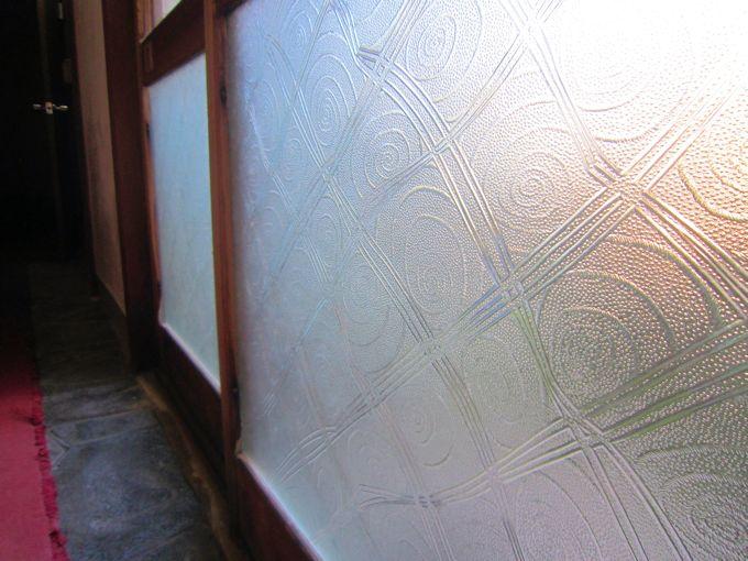 昭和型板ガラス「ハイウェイ」