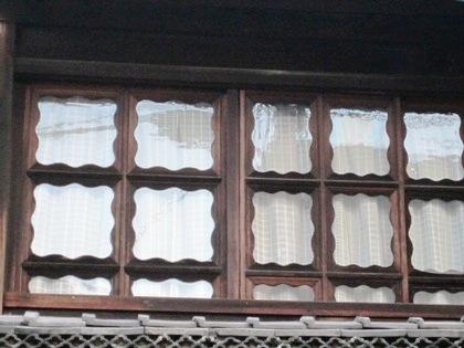 元林院町の窓の意匠