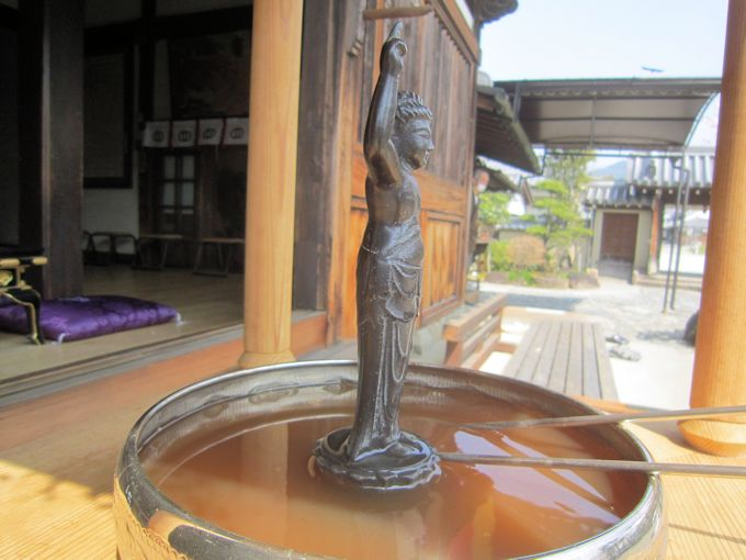 飛鳥寺花会式の誕生仏