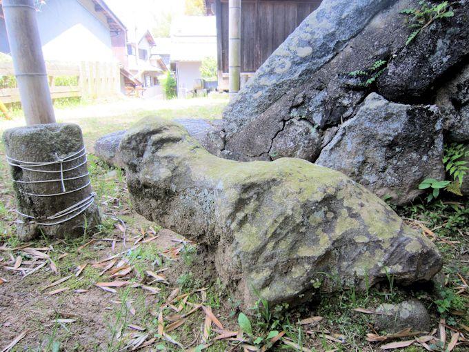 産の宮の陰陽石