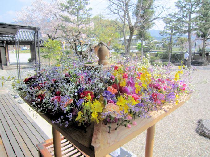 飛鳥寺花会式の花御堂