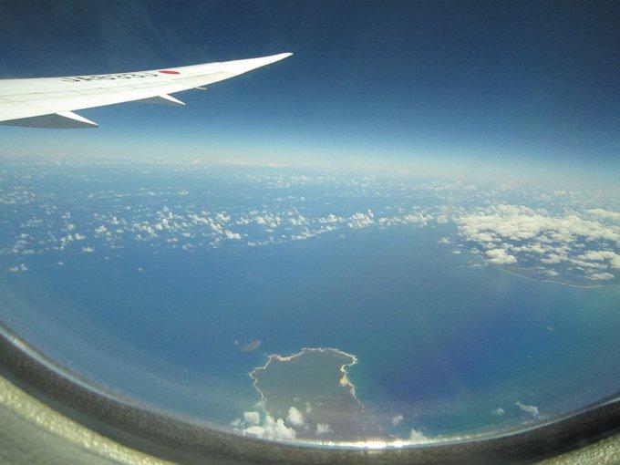 飛行機の車窓風景