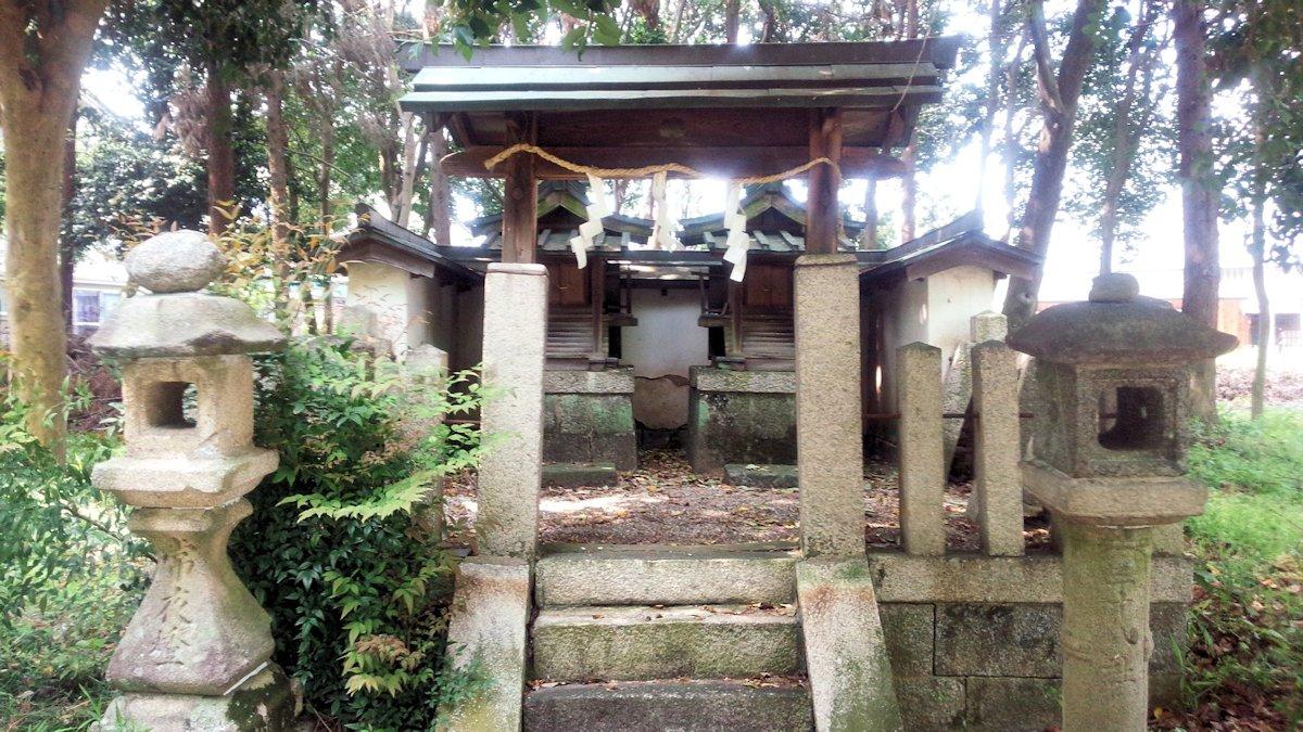 殖栗神社の春日社