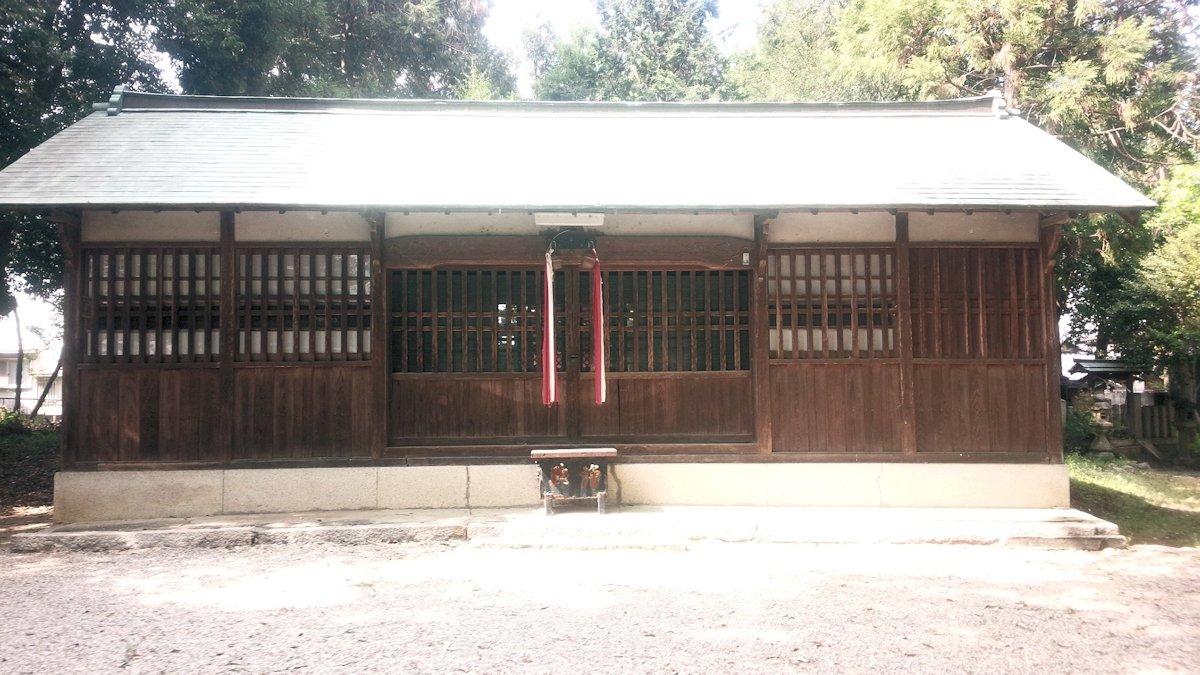 殖栗神社拝殿