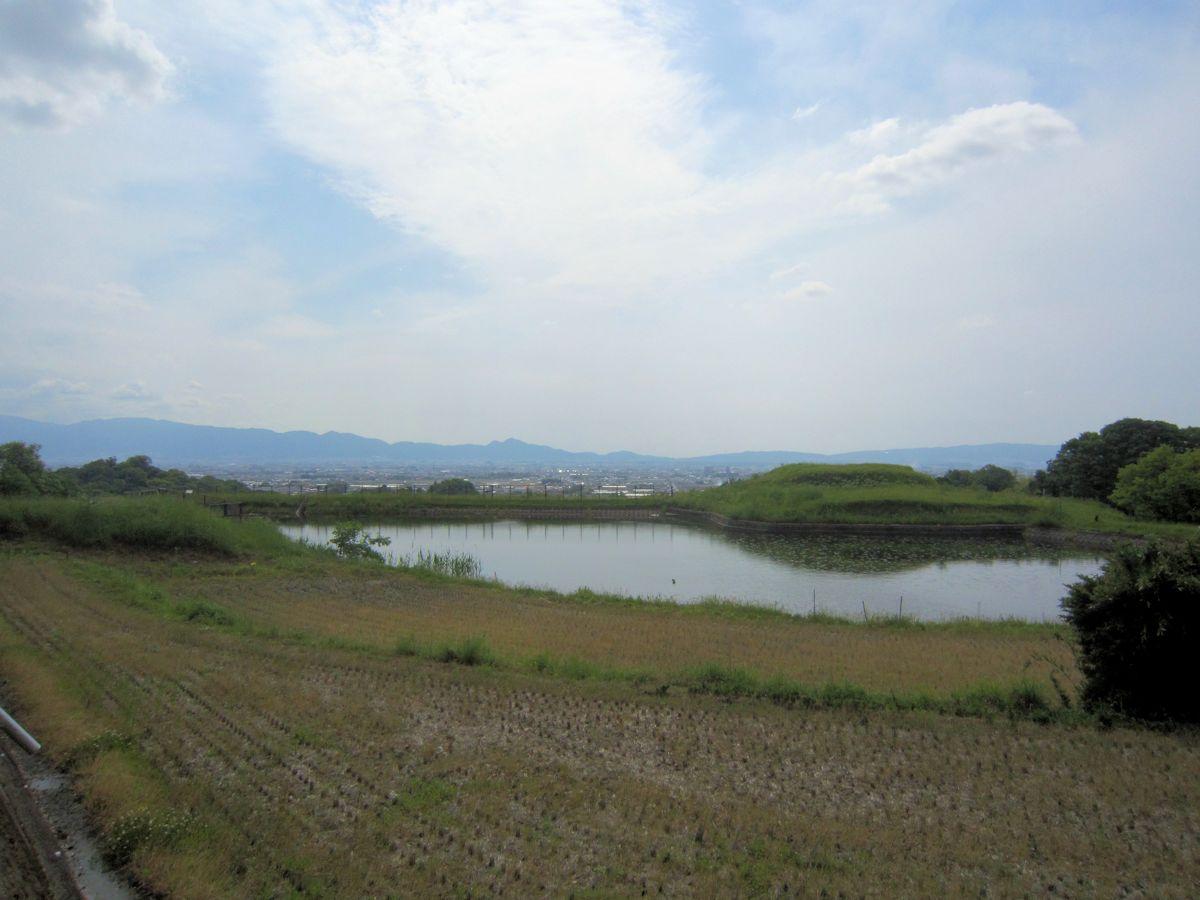 ヲカタ塚古墳とカマアゲ池