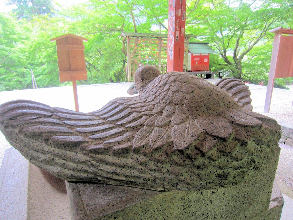 談山神社の鶴手水鉢