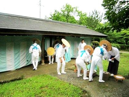 御田植祭準備風景