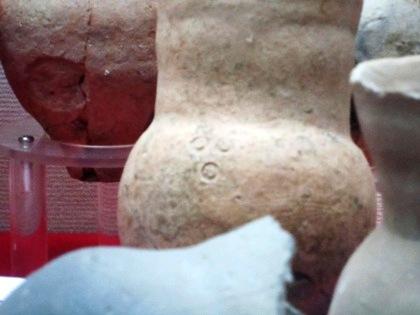 桜井市立埋蔵文化財センター展示の絵画土器