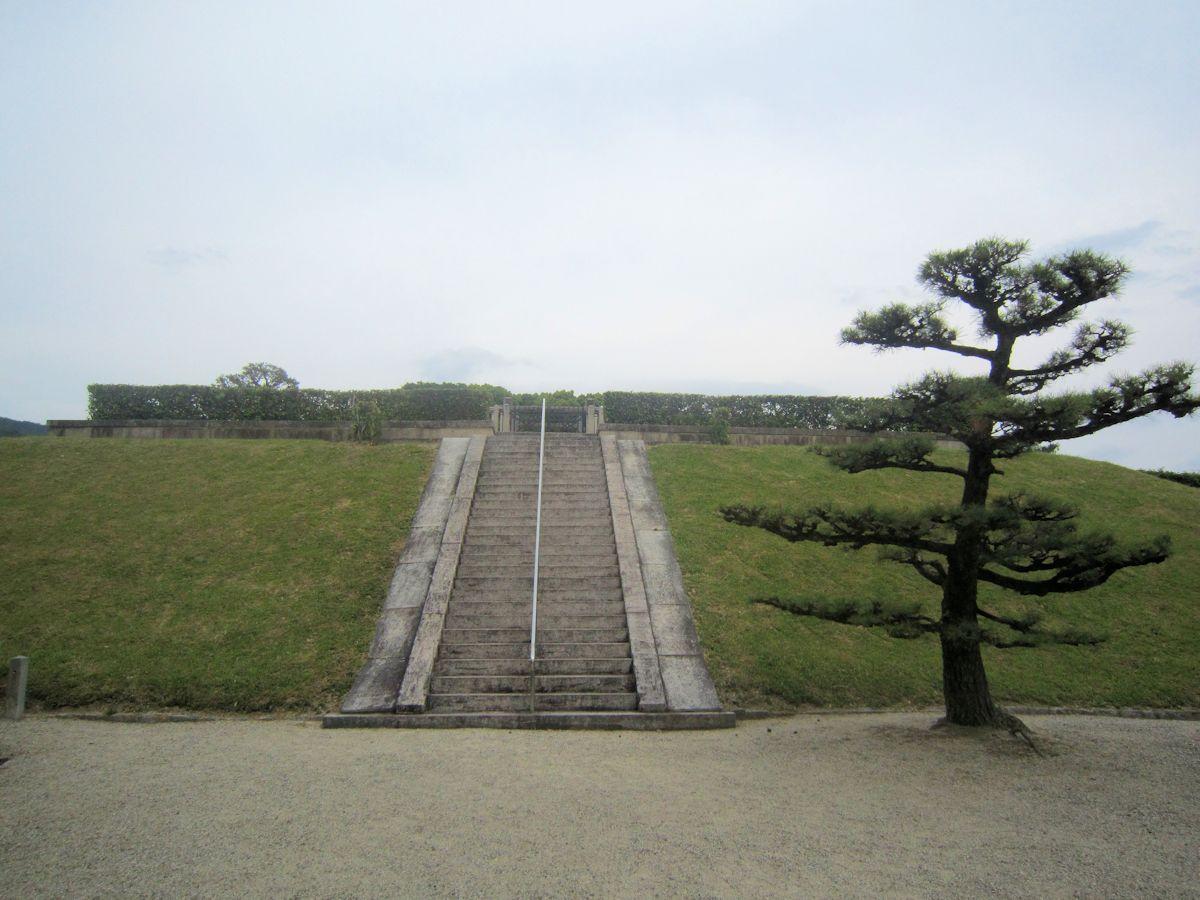 崇神天皇陵の石段