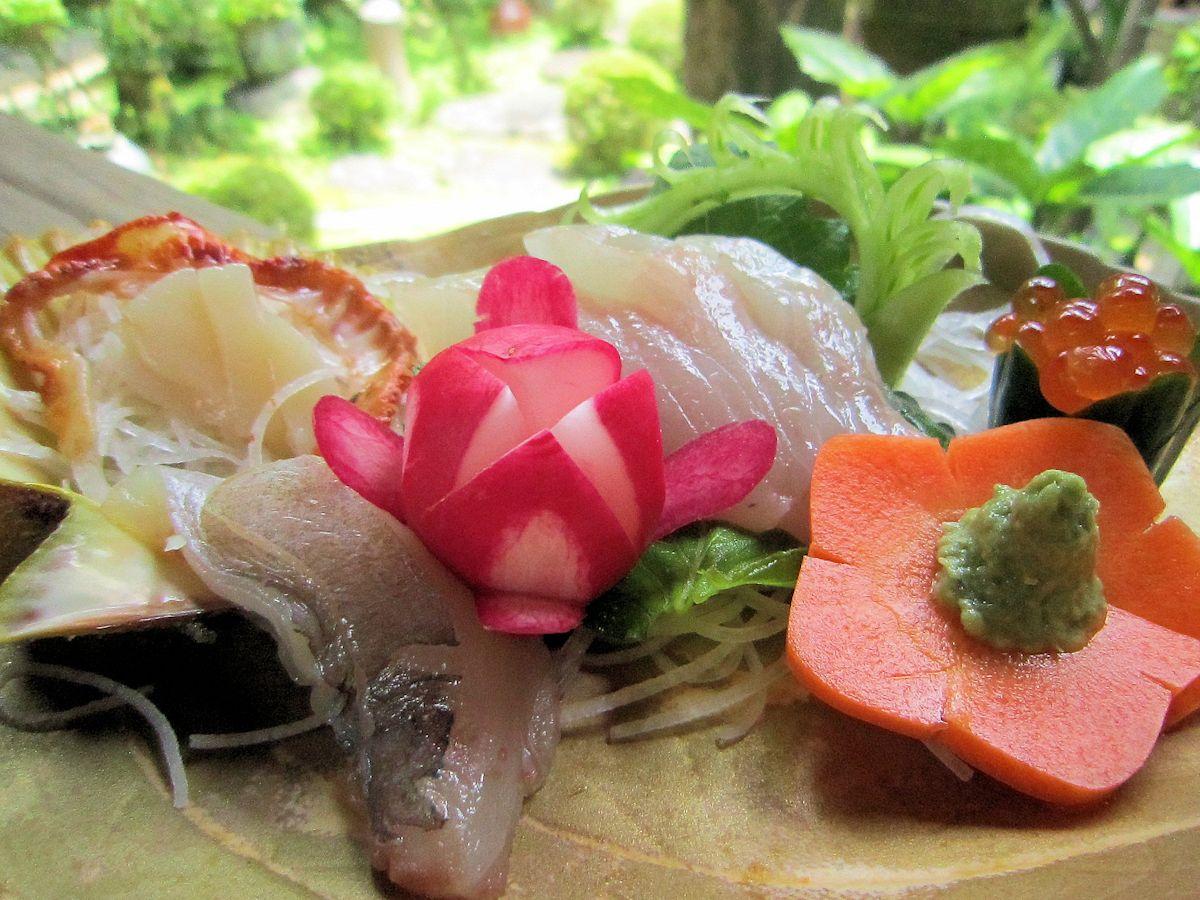 ヒオウギ貝とアカハタの刺身
