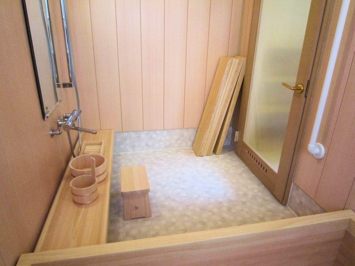 檜風呂洗い場
