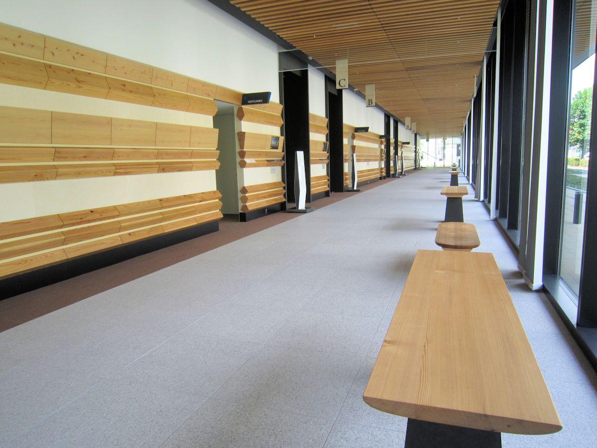 奈良県コンベンションセンターの会議場休憩スペース