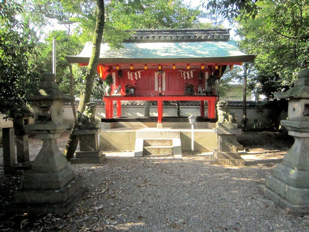 辰市神社本殿