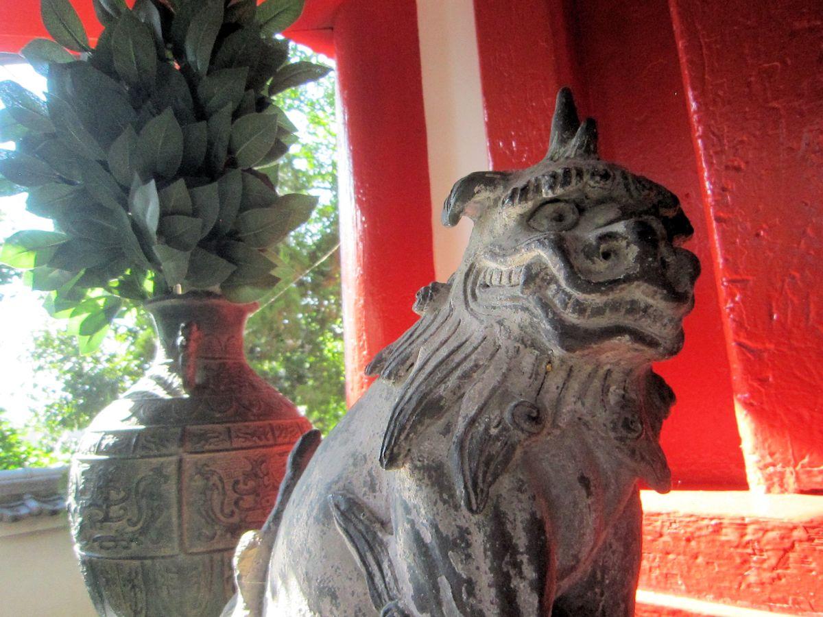 辰市神社の狛犬
