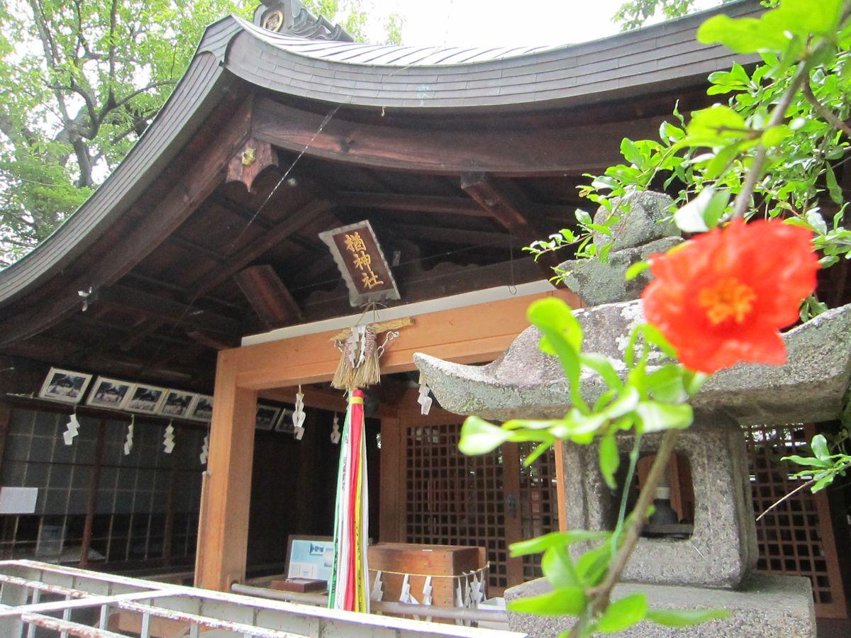 楢神社拝殿