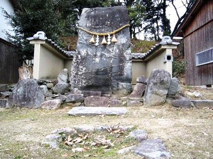 豊浦の立石