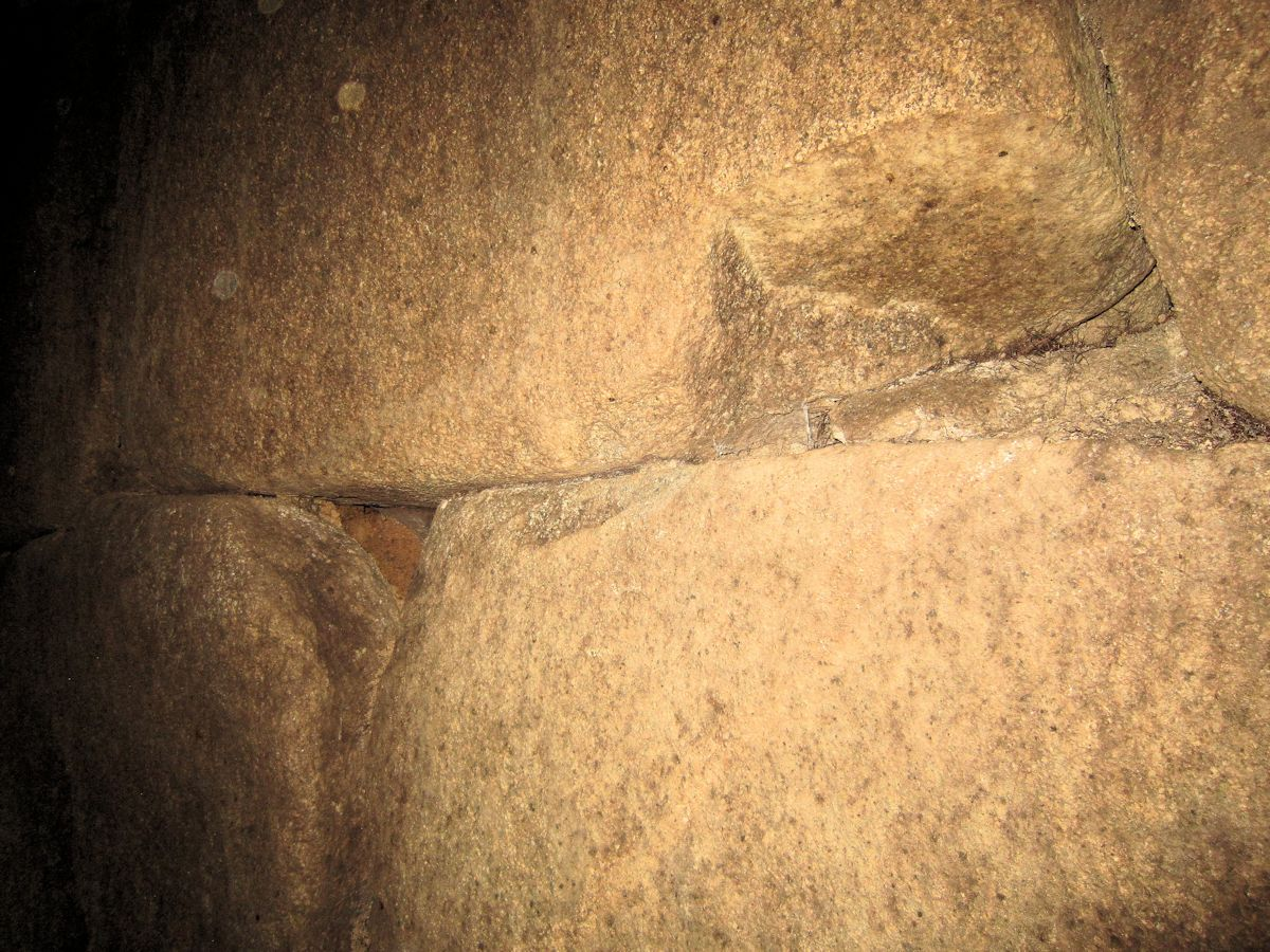 エンドウ山古墳の横穴式石室