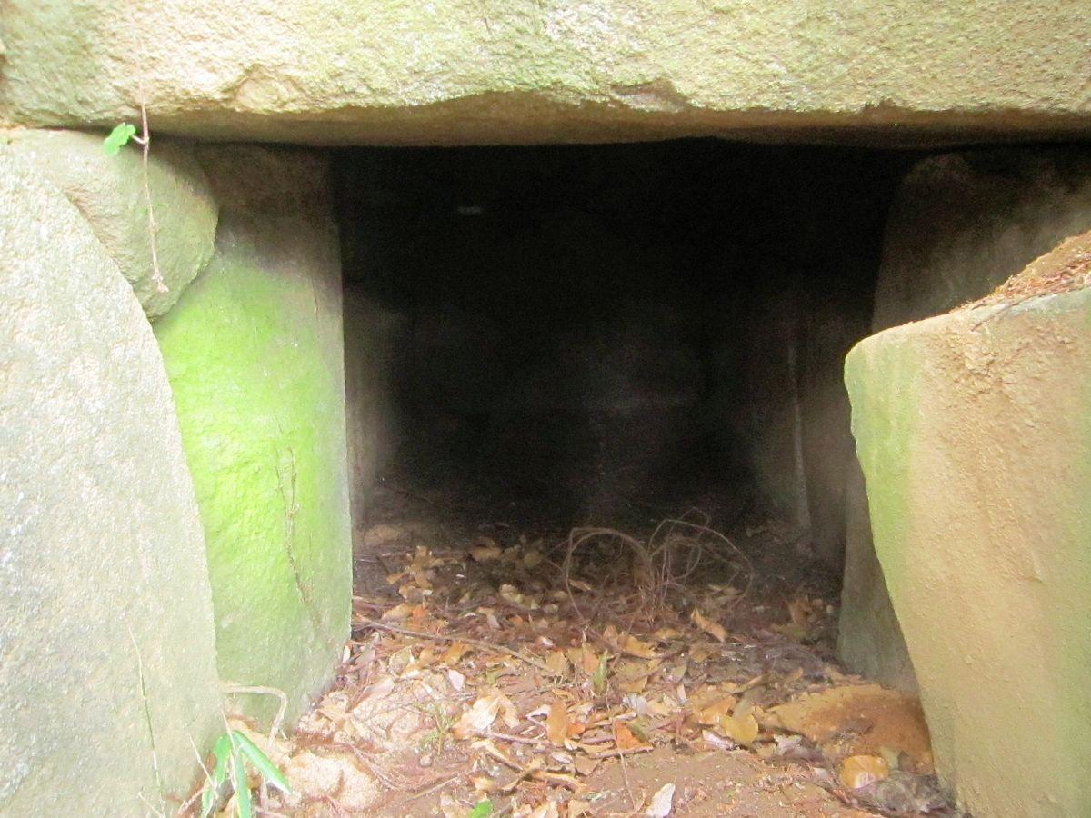 Endoyama ancient tomb
