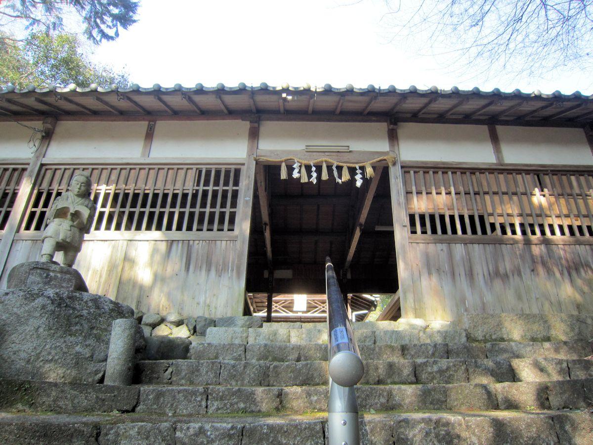 治田神社割拝殿