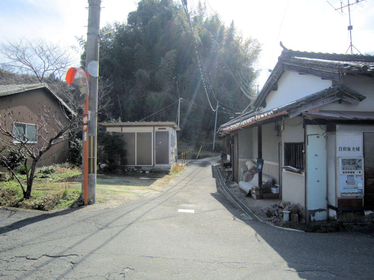 桜井市高田集落入口