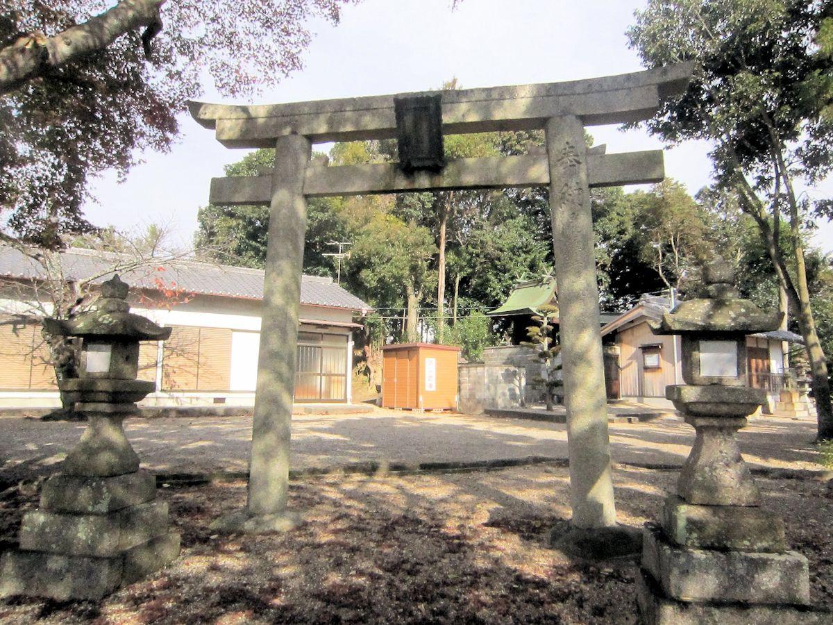 天理市勾田町の春日神社