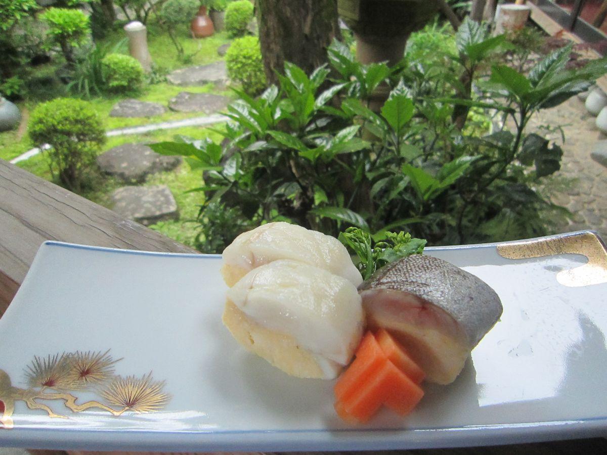 キアンコウの黄身寿司