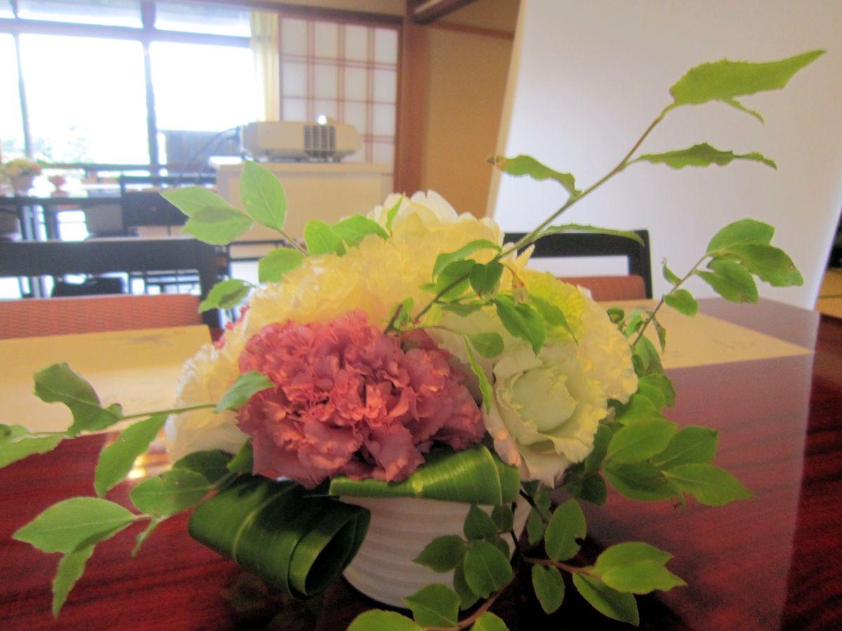 ゲスト装花のナツハゼ