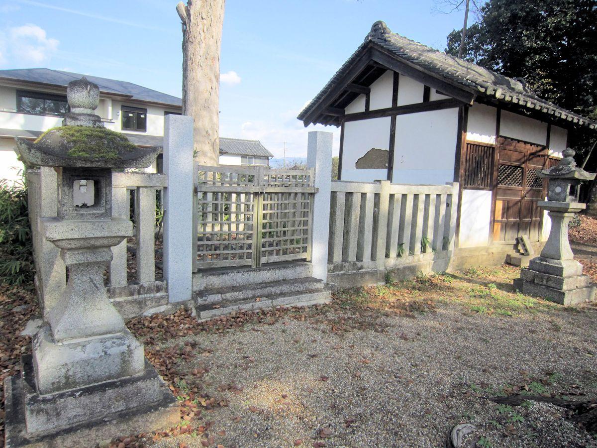 味間の須賀神社