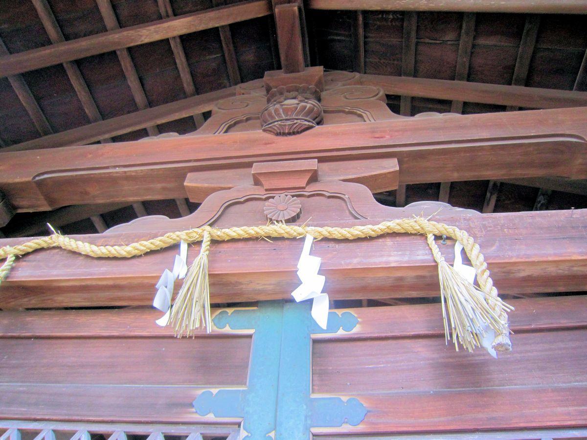 須賀神社の蟇股
