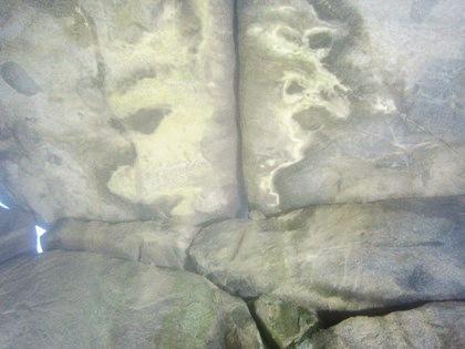 石舞台古墳の中